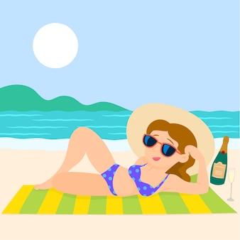 Garota na praia com um biquíni