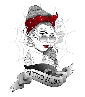 Garota tatuada, fumando um cigarro