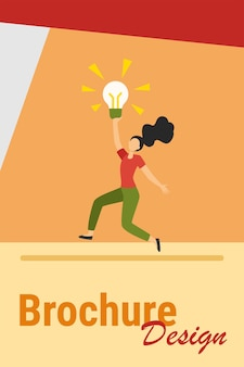 Garota tendo uma ideia brilhante. mulher segurando a lâmpada brilhante e dançando ilustração vetorial plana. inspiração, descoberta, conceito de descoberta para banner, design de site ou página de destino