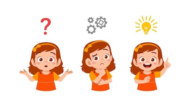 Garotinha feliz e fofa pensando e procurando o processo de ideias