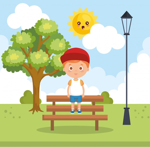 Garotinho no personagem parque