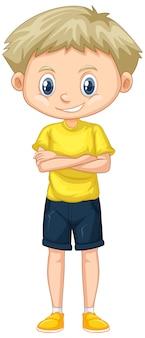 Garoto bonito em pé de camisa amarela em branco