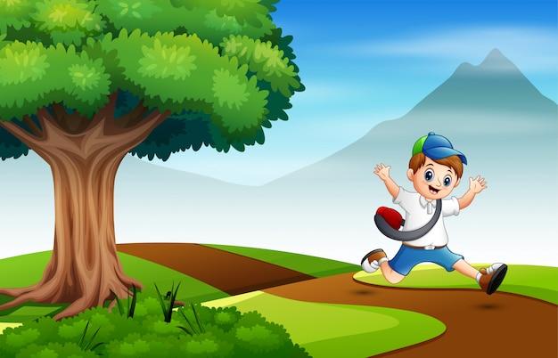 Garoto correndo na estrada para a escola