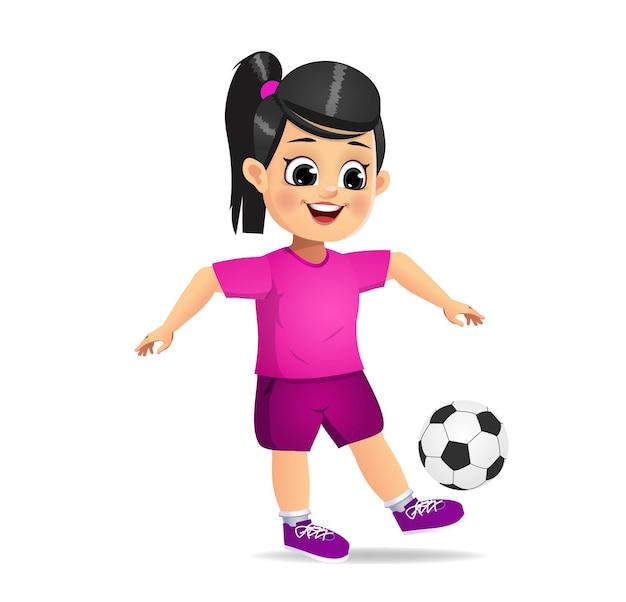 Garoto fofo jogando futebol