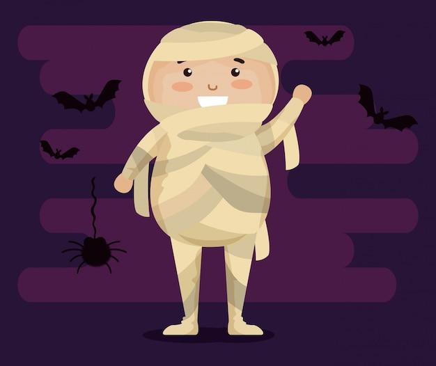 Garoto vestido como uma múmia