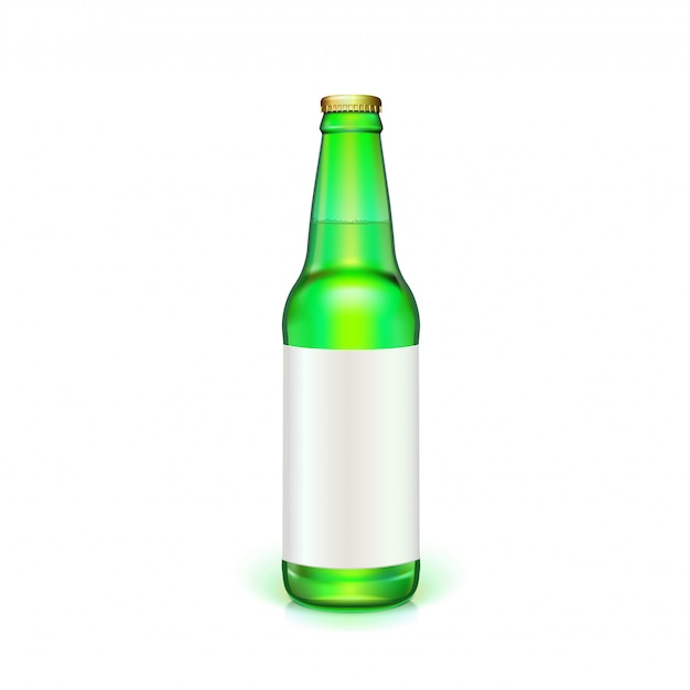 Garrafa de cerveja de vidro verde com rótulo branco em branco