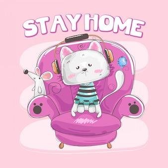 Gatinho ouvindo música e mouse sentado no conceito de assento fica em casa