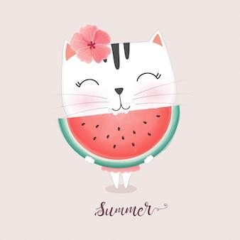 Gato bonito comendo melancia