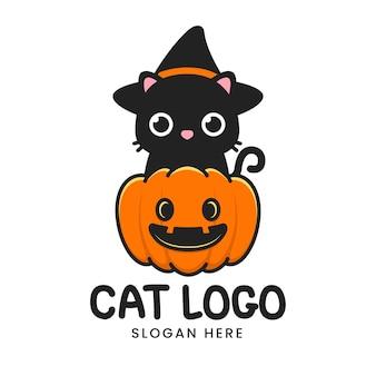 Gato fofo de halloween com logotipo de abóbora