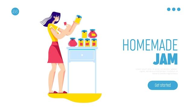 Geléia caseira cozinhando uma linda mulher segurando e colocando adesivos em potes de geléia de frutas orgânicas