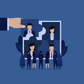 Gerente de equipe de negócios escolher novo empregado para contratado.
