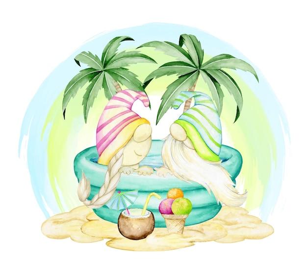 Gnomos bonitos sentados em uma piscina inflável, contra as palmeiras.