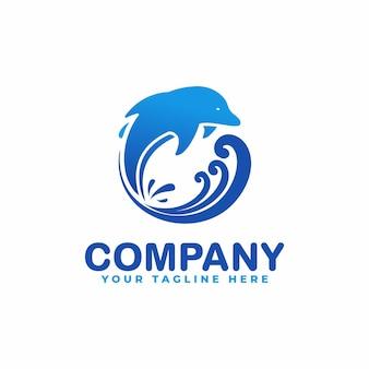 Golfinho e praia em logotipo de estilo circular
