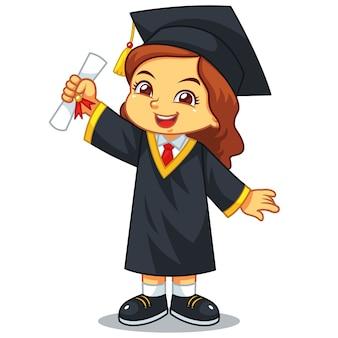 Graduação da menina com toga e certificado.
