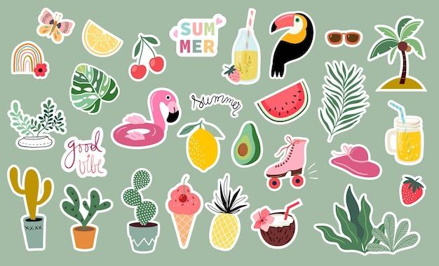 Grande coleção de adesivos de verão com diferentes elementos sazonais