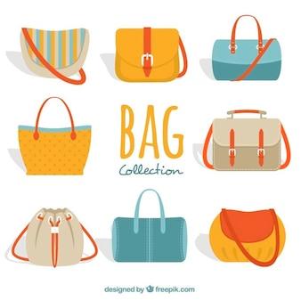 Grande coleção de bolsas da mulher colorida
