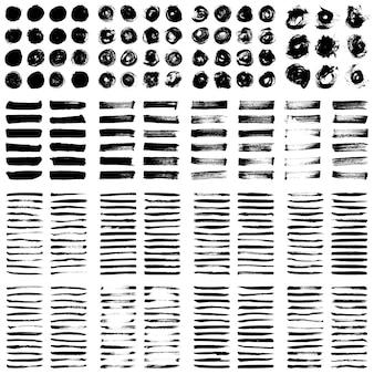 Grande coleção de tinta preta, pinceladas de tinta, pincéis, linhas, grungy.