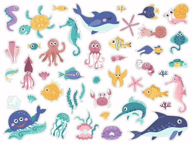 Grande conjunto de adesivos com habitantes fofos marinhos.