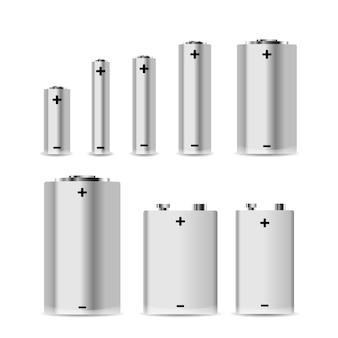 Grande conjunto de diferentes pilhas alcalinas em branco