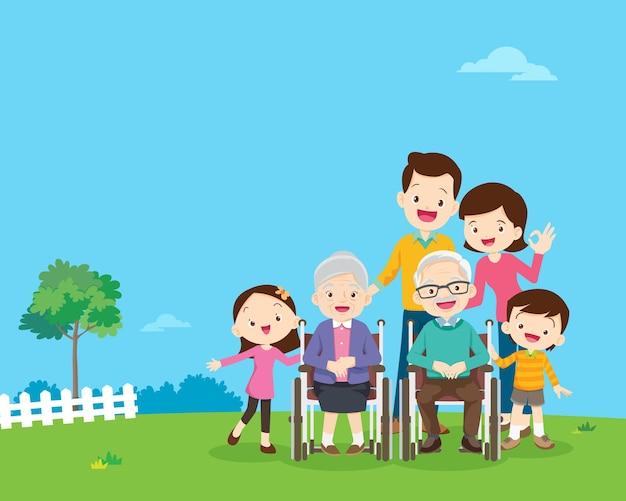 Grande família reunida no parque