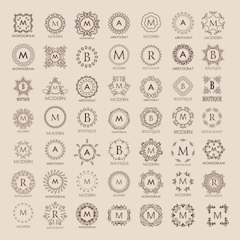 Grande monte de monogramas de luxo