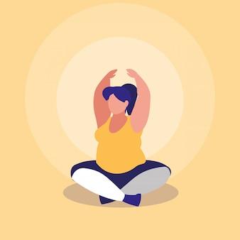Grande mulher exercitando o poder positivo do corpo