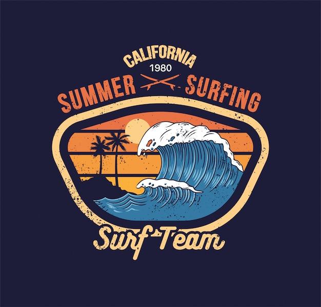 Grande onda do oceano na praia paradisíaca da califórnia. ilustração de projeto vintage para etiqueta de t-shirt de roupas de design de impressão.