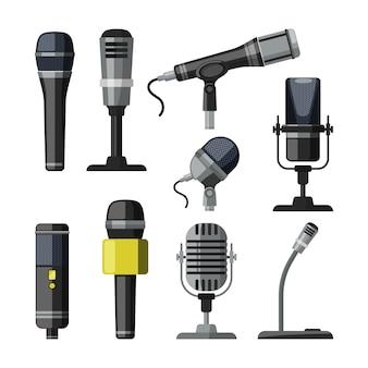 Gravador, microfone e gravador para repórteres.