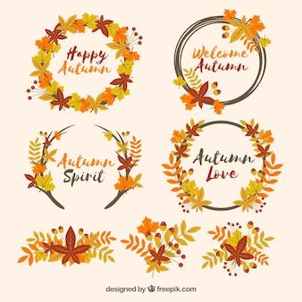 Grinaldas de outono e folhas em um espectro de cor ocre