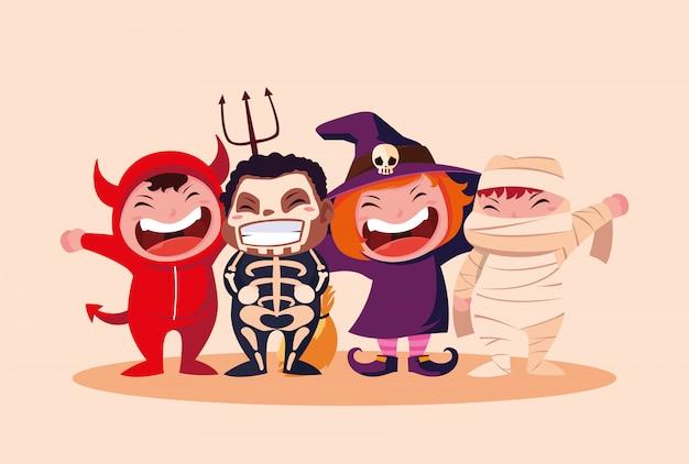 Grupo bonito crianças disfarçadas para o halloween