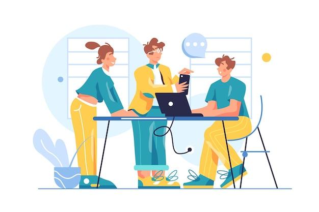 Grupo de colegas trabalhando em equipe no escritório