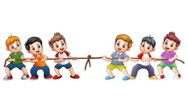 Grupo de crianças brincando de cabo de guerra