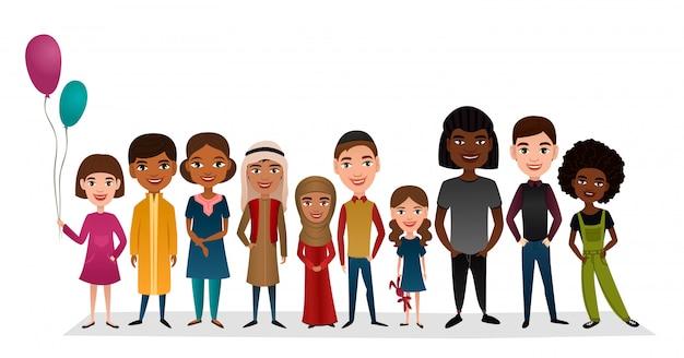 Grupo de crianças diferentes nacionalidades a sorrir