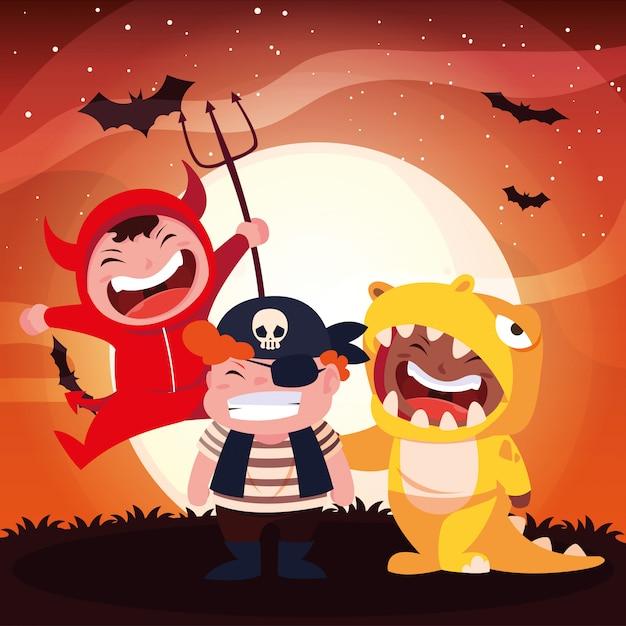 Grupo de crianças disfarçadas para o halloween