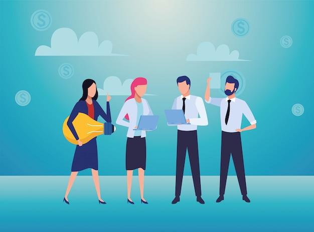 Grupo de empresários, trabalho em equipe com personagens de lâmpadas e documentos