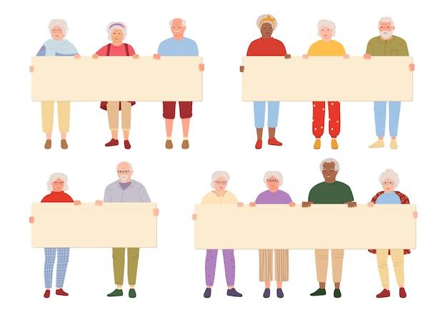 Grupo de idosos idosos segurando o conjunto de desenhos animados de banner em branco. avós que participam no desfile