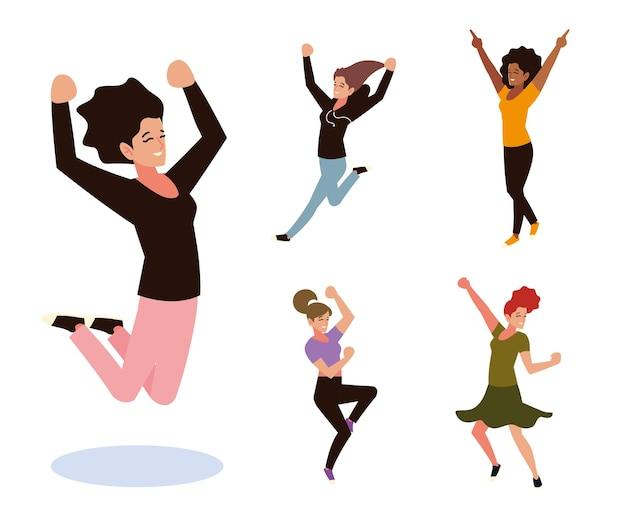 Grupo de mulheres pulando e dançando celebrando o conjunto