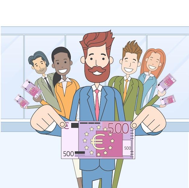 Grupo de pessoas de negócios espera quinhentos euros