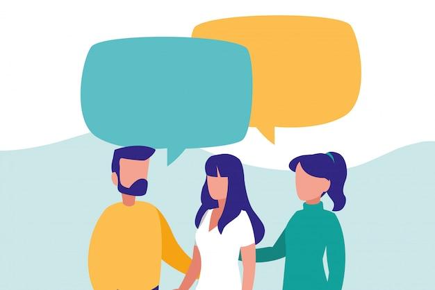 Grupo de pessoas falando de personagens
