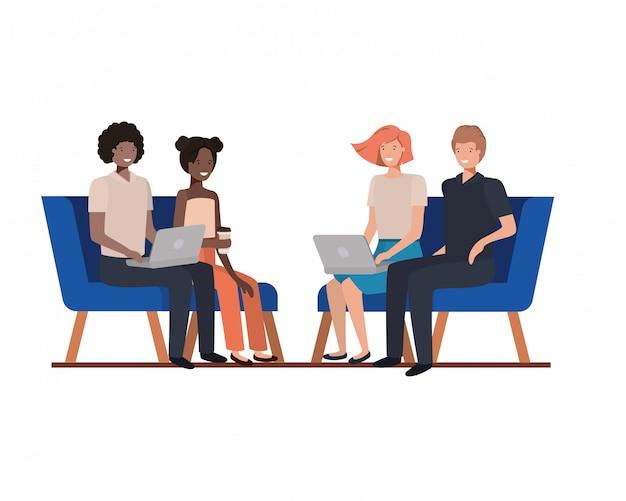 Grupo de pessoas sentadas em cadeiras