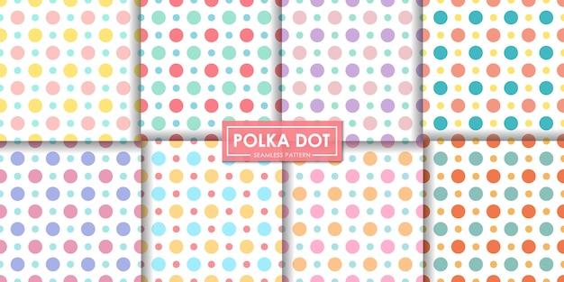 Grupo sem emenda do teste padrão do às bolinhas colorido, fundo abstrato, papel de parede decorativo.