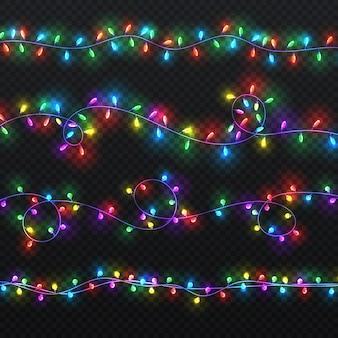 Guirlandas de luz de natal. decoração do vetor do xmas com as ampolas coloridas isoladas. ilustração colorida da festão brilhante do natal