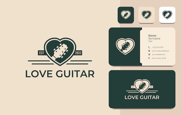 Guitarra amor coração música nota design de logotipo em vetor