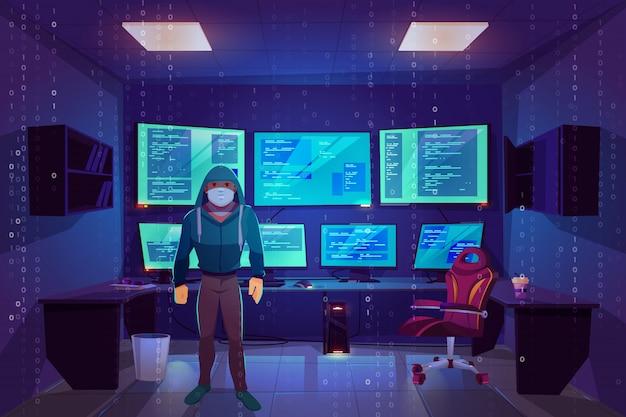 Hacker anônimo na máscara na sala do servidor com vários monitores de computador exibindo informações secretas