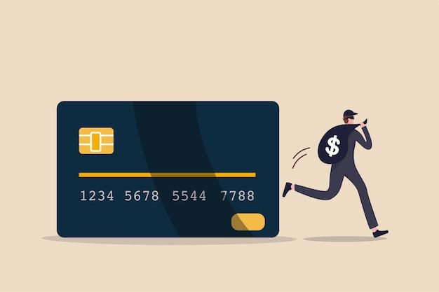 Hacking online de cartão de crédito, hacking online ou conceito de roubo financeiro, jovem ladrão misterioso com roubo preto escuro correndo com saco grande com cifrão sinal de dinheiro de pagamento online com cartão de crédito