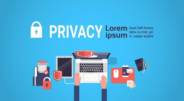 Hand laptor gdpr privacidade de dados isométrica