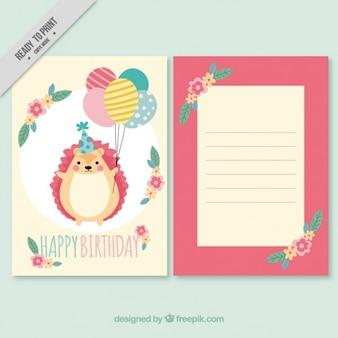 Hedgehog com o convite do aniversário balões