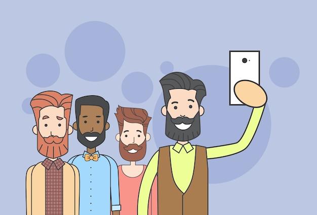 Hipster de grupo de homem tirando foto de selfie no telefone inteligente