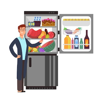 Homem abre geladeira