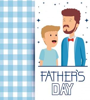 Homem com seu filho com cartão de pais para comemorar o feriado